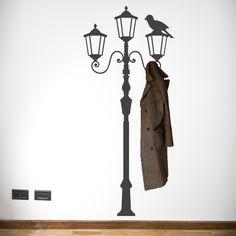 Vinilo decorativo imitación perchero, Pon esta farola en el recibidor y tendras un perchero espectacular. Masquevinilo.com