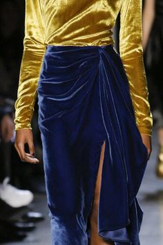 Prabal Gurung Fall 2018 Ready-to-Wear Fashion Show Fashion Moda, Runway Fashion, High Fashion, Fashion Show, Fashion Looks, Fashion Outfits, Womens Fashion, Fashion Tips, Ladies Fashion