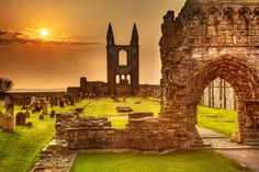St. Andrews Cathedral - A ruined Catholic cathedral build in 1158. The ruins indicate that the building was approx. 391 ft. long, and is the largest church to have been build in Scotland.