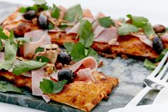 Delicious double cheese pizza squares topped with ham, almonds and olives. Use store-bought dough and dinner is ready in just 10 minutes. Used Store, Pizza Party, Pizza Recipes, Vegetable Pizza, Ham, Risotto, Squares, Cheese, Dinner