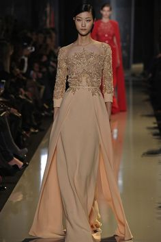 Thanks @ElieSaabWorld  for keeping the neutral #wedding dress trend alive and beautiful for 2013!