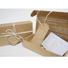 Todos os convidados que confirmaram a presença, receberam em casa o kit vip 10 dias antes do casamento,um kit que tinha uma cartão individual, tag para o carro e um recadinho fofo do casal!  #kitvip #casamentothiefe #casamentothefe #fêethi #thiefe