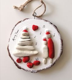 Christmas Pebble Art, Christmas Rock, Christmas Crafts, Christmas Ornaments, Rock Crafts, Wood Slices, Xmas Decorations, Tis The Season, Rock Art
