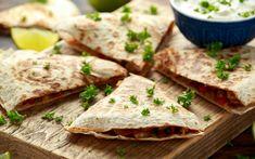Black Bean Quesadillas Entree Recipes, Top Recipes, Mexican Food Recipes, Low Carb Recipes, Healthy Recipes, Mexican Meals, Vegetarian Main Dishes, Vegetarian Entrees, Veggie Side Dishes