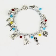 Barato O Transporte da gota HP Horcrux Charm Bracelet Jóias Filme The Eagle Pulseira Coroa Chapéu/COBRA/COPO Venda Quente Pulseira o melhor Presente, Compro Qualidade Charme Pulseiras diretamente de fornecedores da China: Free Shipping 1 pc a Lot STAR WARS Charm Bracelet Vintage Alloy Jewelry For Fans Collection Link Chain Bracelet Wholesal
