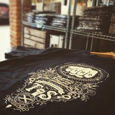 ... Roba da rocker!!!  #toohead #vintage #rock #official #tshirt #design #heavymetal #tattoo #art #beautiful #magliette #igers #igdaily #etsy #etsyshop #etsyfinds #etsyseller #vscocam #vsco #brand #black #clothing #vscogood #picture