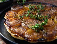 Onion Tarte Tatin---from Peri & Sons Farms Onion Recipes, Tart Recipes, Other Recipes, Vegetable Recipes, Real Food Recipes, Cooking Recipes, Healthy Recipes, Patty Food, Veg Dishes