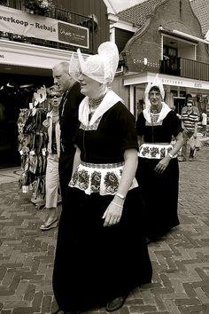 Women in traditional costume, Volendam. by Yakinodi, via Flickr #NoordHolland #Volendam