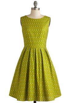 Super cute lime green dress! Great cut for teaching.