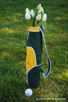 What Is the Correct Golf Swing? Golfers the world over are always in search of the perfect golf swing or the right golf swing. Golf Centerpieces, Birthday Centerpieces, Golf Party, Men Party, Golf Outing, Golf Theme, Perfect Golf, Golf Gifts, Golf Accessories
