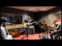 Mumford & Sons - Lover Of The Light (session) - YouTube