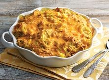 Squash Casserole from Publix Aprons Leftovers Recipes, Lunch Recipes, Appetizer Recipes, Vegetarian Recipes, Vegetable Recipes, Summer Recipes, Appetizers, Stuffing Casserole, Squash Casserole