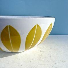 Lotus Enamel Bowl #cathrineholm #vintage #midcentury
