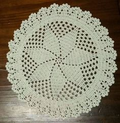 Sousplat de crochê - 42 cm - Estrela
