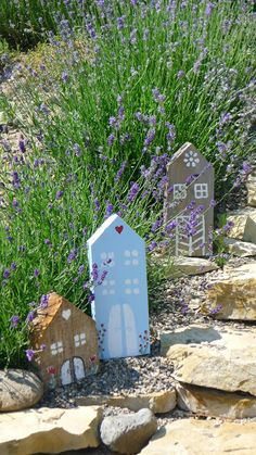 From the life of one potter . Garden Deco, Garden Art, Small Wooden House, Wooden Houses, Back Garden Design, Back Gardens, Little Houses, Garden Paths, Diy For Kids