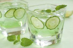 Sandra Lee's Cucumber Smash Cocktail | The Dr. Oz Show