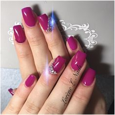 https://m.facebook.com/nailslorene/