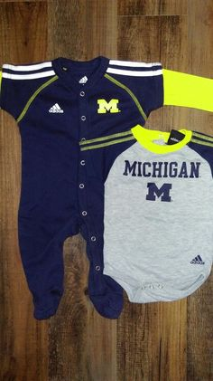 Baby Boys Michigan Wolverines Tee Shirt /& Diaper Set