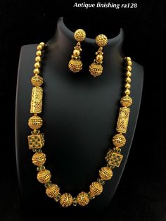 Gold Jewelry Design In India Refferal: 1021247328 Gold Temple Jewellery, 1 Gram Gold Jewellery, Gold Jewellery Design, Gold Jewelry, Quartz Jewelry, Handmade Jewellery, Glass Jewelry, Indian Gold Jewellery, Resin Jewellery