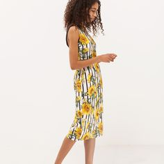 #summer #yellow #flowers #dress #trend #fashiondress #stripes #style #fashionlook #sunflowers