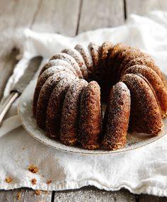 Perinteinen maustekakku | Maku Fruit Bread, Sweet Bakery, Baked Donuts, Little Cakes, Other Recipes, No Bake Desserts, Coffee Cake, Food Inspiration, Deserts