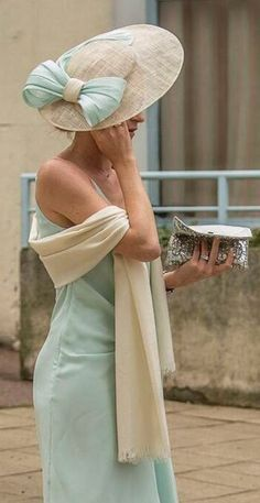 Madame Chapeaux Plus We make gorgeous everyday hats that Sinamay Hats, Fascinator Hats, Fascinators, Headpieces, Ethno Style, Dresscode, Kentucky Derby Hats, Fancy Hats, Wedding Hats