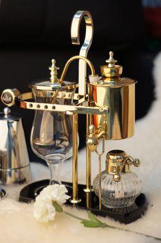 Elegant Royal Belgium Siphon Coffee Maker. Visit http://www.timemore.com.sg