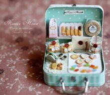 Patisserie in a toy suitcase. *swoon*