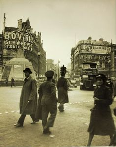 Piccadilly Circus, London, WWII