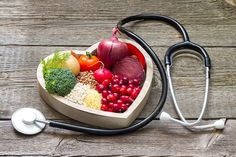 Do you dislike heart-healthy foods? It's possible to eat what you like and stay healthy. These heart-healthy foods will complement your dishes and keep your heart racing. Heart Healthy Diet, Heart Healthy Recipes, Healthy Dinner Recipes, Diet Recipes, Healthy Foods, Heart Diet, Diet And Nutrition, Nutrition Tracker, Dieta Dash
