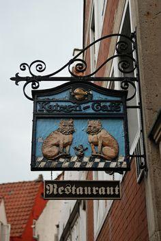 Cats in Art and Illustration: Katzen Café - Bremen, Germany
