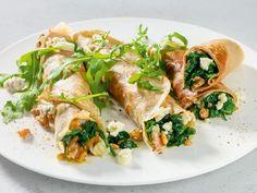 Buchweizen-Galettes mit Spinat und Gorgonzola | http://eatsmarter.de/rezepte/buchweizen-galettes-mit-spinat-und-gorgonzola