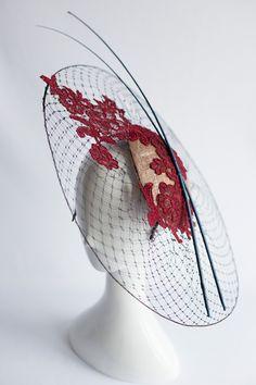 Facinator Hats, Fascinators, Headpieces, Wedding Hats For Guests, Fascinator Diy, Philip Treacy Hats, How To Make Decorations, Wedding Guest Style, Bridal Hat