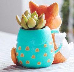 Mini Shiba Inu Planter Pots Blue Succulents, Hanging Succulents, Succulent Terrarium, Terrarium Ideas, Ikebana, Small Flower Pots, Wedding Mint Green, Do It Yourself Inspiration, Ceramic Workshop
