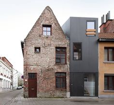 old and new, Dierendonck Blancke - Gelukstraat house, Ghent 2011. Via, photos © Filip Dujardin