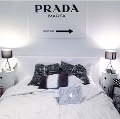 nice 63 Romantic Black and White Bedroom Ideas You Will Totally Love https://decoralink.com/2017/09/28/63-romantic-black-white-bedroom-ideas-will-totally-love/