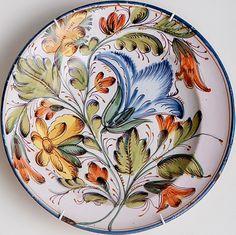 9912 Hand Painted Mugs, Painted Plates, Hand Painted Ceramics, Porcelain Ceramics, Ceramic Plates, Doodle Inspiration, Italian Pottery, Pottery Sculpture, Ceramic Design
