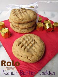 Rolo Stuffed Peanut Butter Cookies!