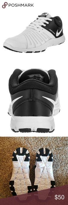 NWOT, Nike Boys 5.5 Training Flexshow NWOT, Nike Training Flexshow boys size 5.5. Black and white, Nice shoes! Nike Shoes Sneakers
