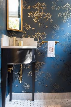 Dark blue wallpaper in guest powder bath, installation by Paper Moon Painting, Alamo Heights Powder Room Wallpaper, Dining Room Wallpaper, Bathroom Wallpaper, Wallpaper Decor, Blue And Gold Wallpaper, Tapete Gold, Powder Room Decor, Powder Room Paint, Blue Powder Rooms