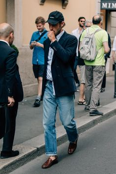 The Best Street Style from Milan Fashion Week Photos Cool Street Fashion, Look Fashion, Street Style, Mens Fashion, Milan Fashion, Fashion Tips, Stylish Men, Men Casual, Casual Styles