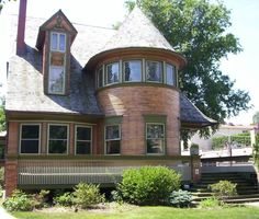 Frank Lloyd Wright Houses Pre-1900, From Queen Anne to Prairie: Walter H. Gale House, 1892-1893