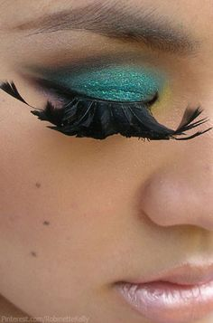Turquoise Eyes and feather lashes Teal Eyes, Turquoise Eyes, Feather Eyelashes, Fake Lashes, Beauty Lash, Beauty Makeup, Beauty Tips, Makeup Sites, Eye Makeup Designs