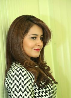 Rashi Khanna at Jil Telugu film press meet photo shoot-5