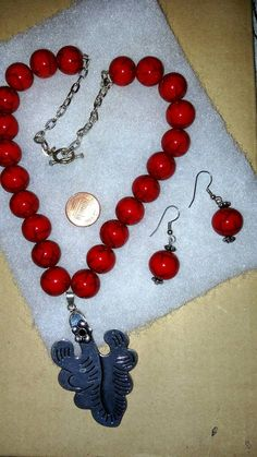 Mira este artículo en mi tienda de Etsy: https://www.etsy.com/listing/204631379/beautiful-necklace-red-beads