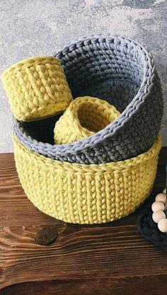 Amazing Crochet Baskets For Free Ideas 2019 - Page 26 of 35 - stunnerwoman. Crochet Baby Toys, Crochet Home, Knit Or Crochet, Crochet Gifts, Crochet Stitches, Crochet Clutch Pattern, Crochet Basket Pattern, Crochet Patterns, Crochet Storage