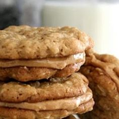 Halfway to Heaven Peanut Butter Cookies Love this peanut butter dessert! This easy cookie recipe is so rich and nutty. Easy Cookie Recipes, Sweet Recipes, Baking Recipes, Easy Recipes, Healthy Recipes, Rice Recipes, Healthy Meals, Vegetarian Recipes, Weight Watcher Desserts