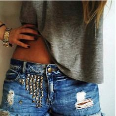 studded shorts & loose tee's ...guess i need some studded shorts as well;)