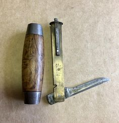Antique Tools, Vintage Tools, Trench Knife, Knife Patterns, Wood Knife, Woodworking Hand Tools, Edc Knife, Metal Projects, Knives And Swords