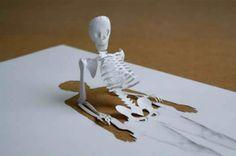 Esculturas em folha de papel  By: Peter Callesen